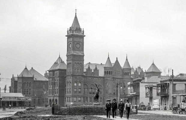 Orleans Parish Criminal Courts Building. Source: Library of Congress.
