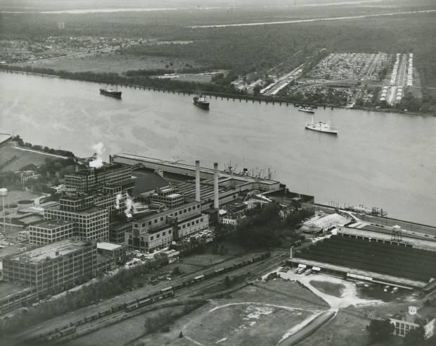 Domino Sugar Refinery, presumably 1950s. Lebeau Plantation in lower right corner. Source: Louisiana Digital Library