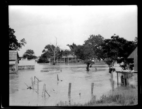 Flooding in lower part of the parish, 1922. Source: Louisiana Digital Library