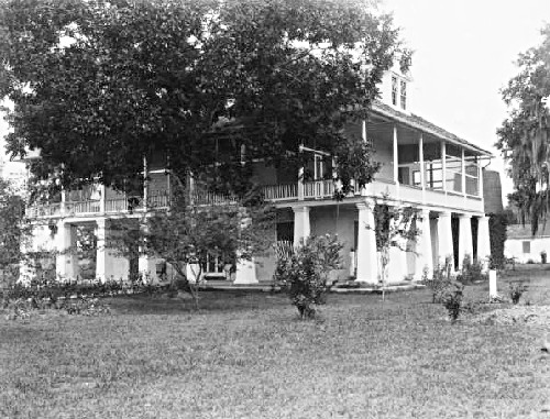 Kenilworth Plantation, early 1930s. Source: oldneworleans.com