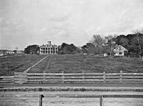 Lebeau Plantation, Old Arabi, 1910. Source: oldneworleans.com