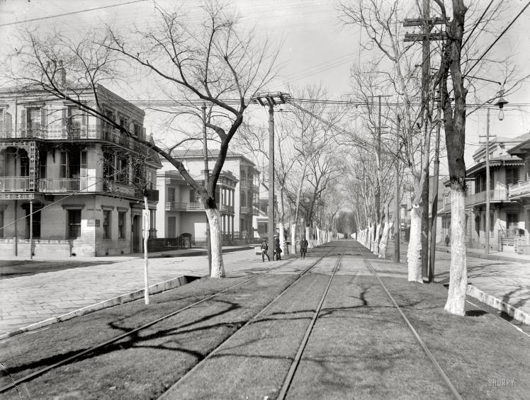 1900 - Esplanade Avenue