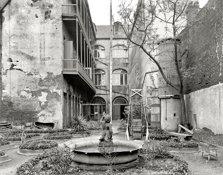 1903 - French Quarter Courtyard