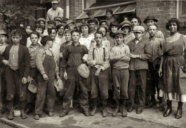 1913 - Lane Cotton Mill workers