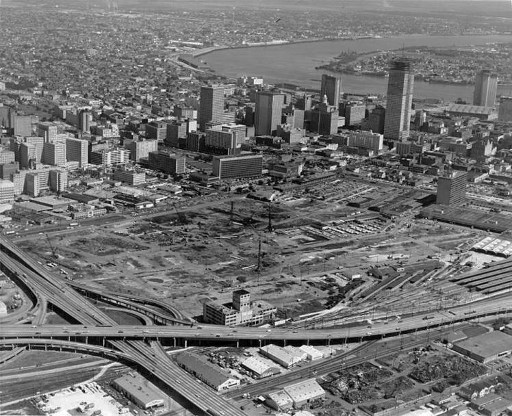 1971 - One Shell Square under construction and making way for the Superdome